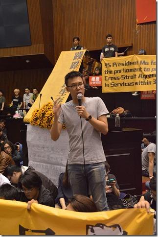 Occupy_Taiwan_Legislature_by_VOA_(29)